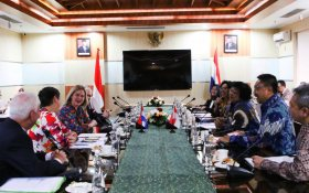 Meeting by Dutch and Indonesian ministers on reducing ocean waste