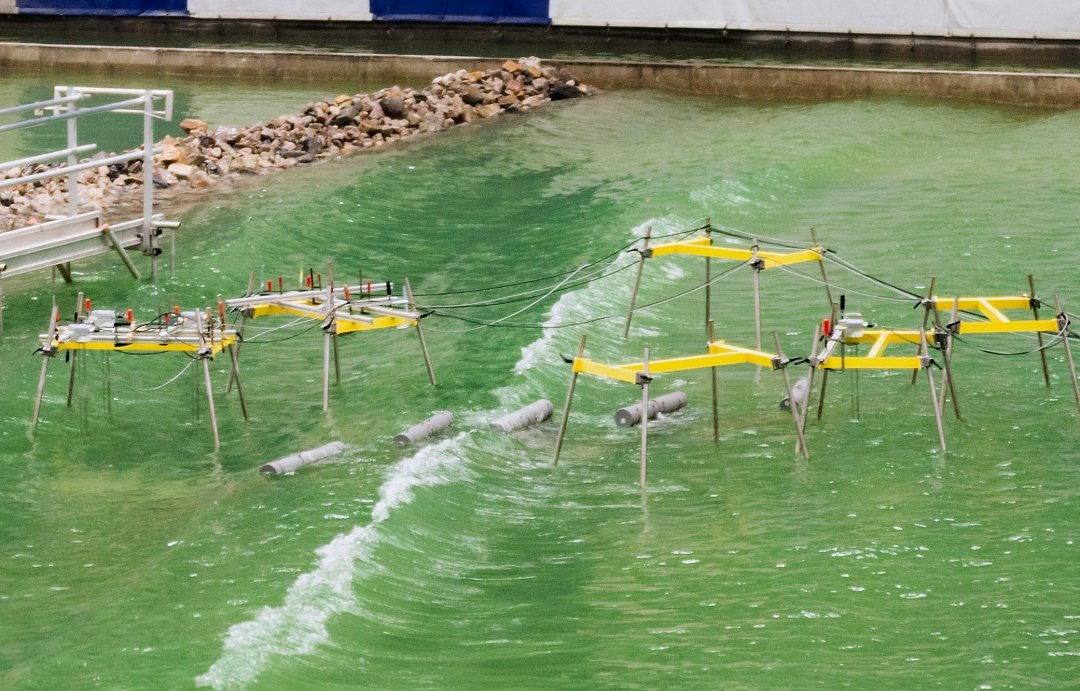 Configuration of four wave energy convertor Slow Mill models in the Delta Basin at Deltares