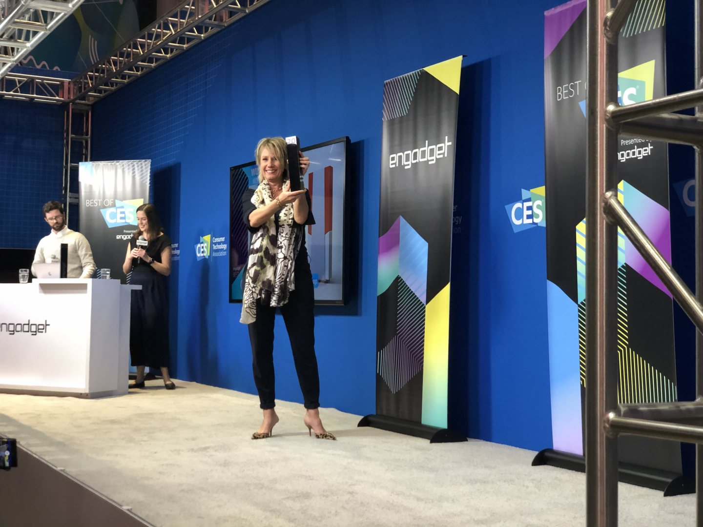Sabina Stuiver of Hydraloop receives the CES2020 innovation award in Las Vegas