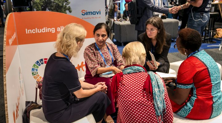Women having a conversation at the Duitch pavilion during the Sotckholm world water week 2019