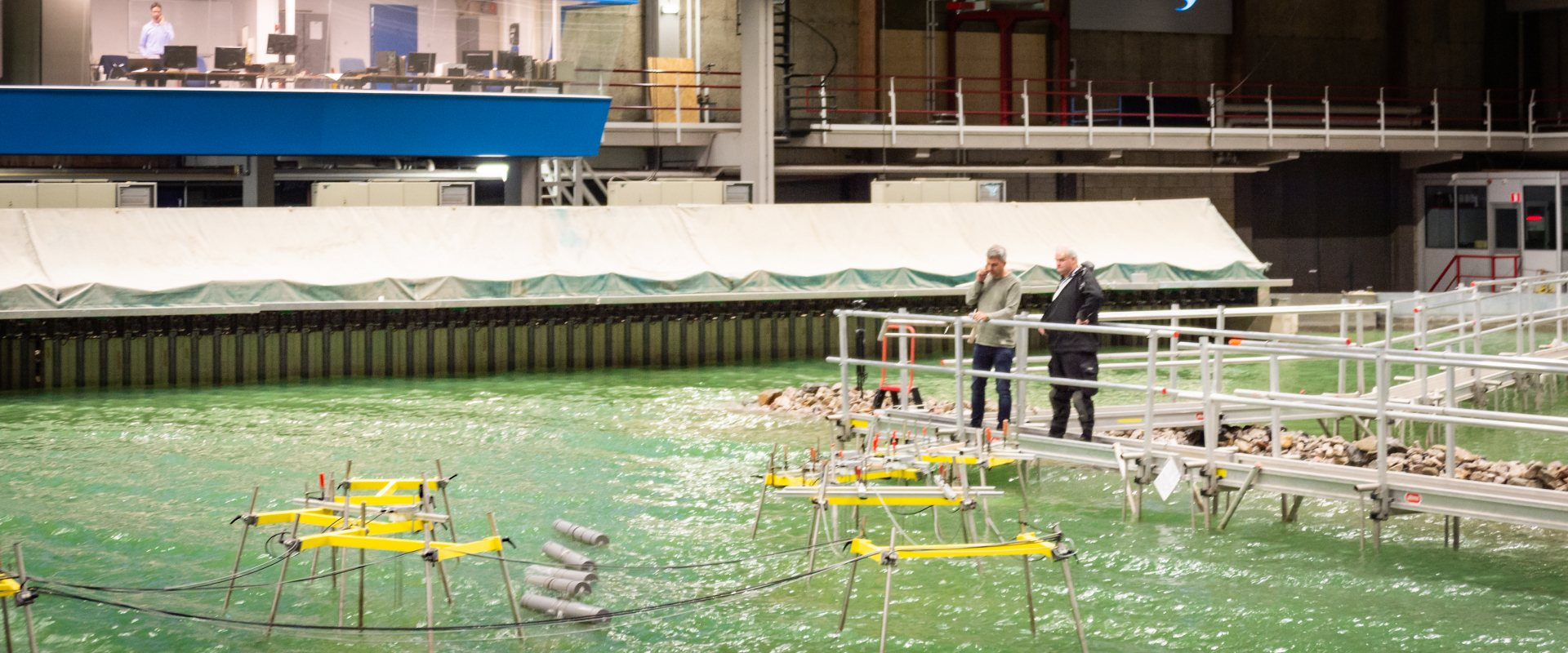 Model testing of Slow Mill wave energy convertors in the Dalta Basin at Deltares